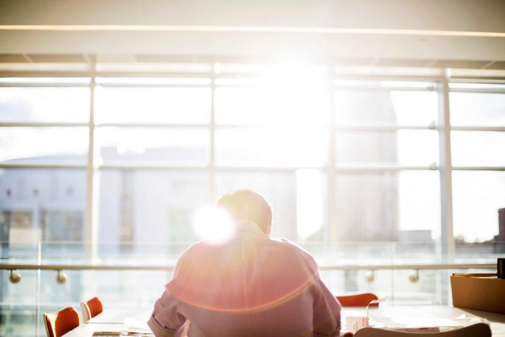 ネットワークビジネス(MLM)はお金を稼ぐ副業手段としておすすめなのか